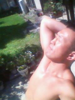 日焼けサロン「家の前」